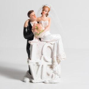 BRIDE & GROOM ON LOVE 4.